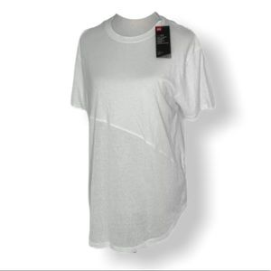 NWT Women's small under armor loose fit T-shirt